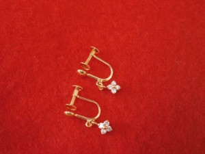 18金 メレダイヤ付き イヤリング 買取させていただきました! ザ・ゴールド新潟西店(新潟県新潟市西区) 新潟県新潟市にあるザ・ゴールド 新潟西店の画像2
