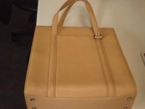 カルテイエ・ハンドバッグ買取させていただきました。ザ・ゴールド須賀川インター店(福島県須賀川市) 福島県須賀川市にあるザ・ゴールド 須賀川インター店の画像3