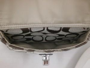 COACH スイングパック(F45026) 青葉区のお客さまから買取させていただきました。貴金属・ダイヤモンド付製品、ブランドバック・ブランド腕時計買取専門店 ザ・ゴールド泉インター店(宮城県仙台市泉区) 宮城県仙台市にあるザ・ゴールド 泉インター店の画像5