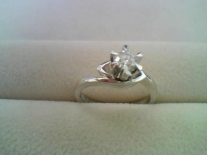 プラチナ900ダイヤリングをお買取りいたしました!ザ・ゴールド長岡店(新潟県長岡市) 新潟県長岡市にあるザ・ゴールド 長岡店の画像2